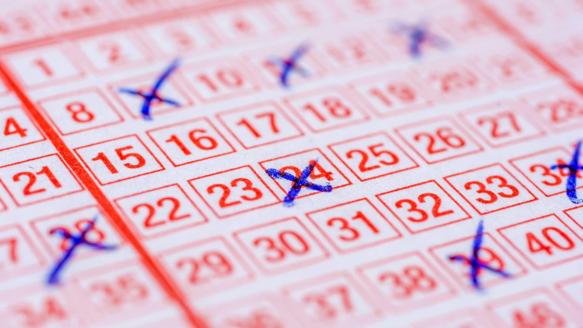 Impuesto de loterías: premios, cantidad y cómo declarar