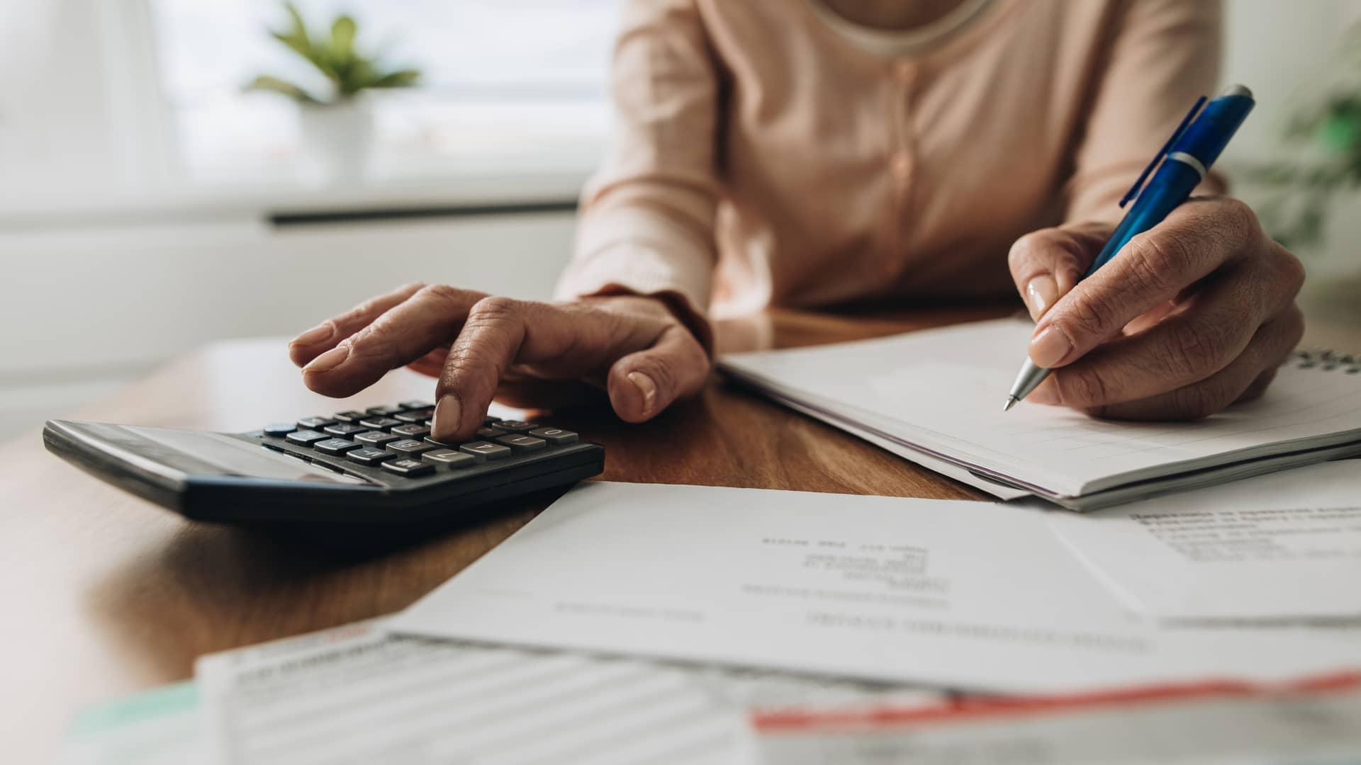 Impuestos indirectos: definición, ejemplos y diferencias