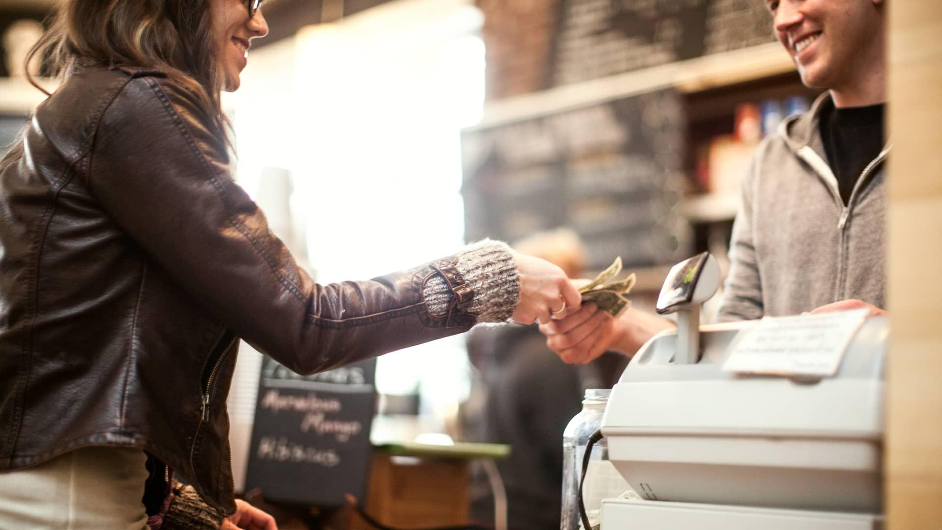 Limitación pagos efectivos: cuáles son y posibles consecuencias por incumplimiento