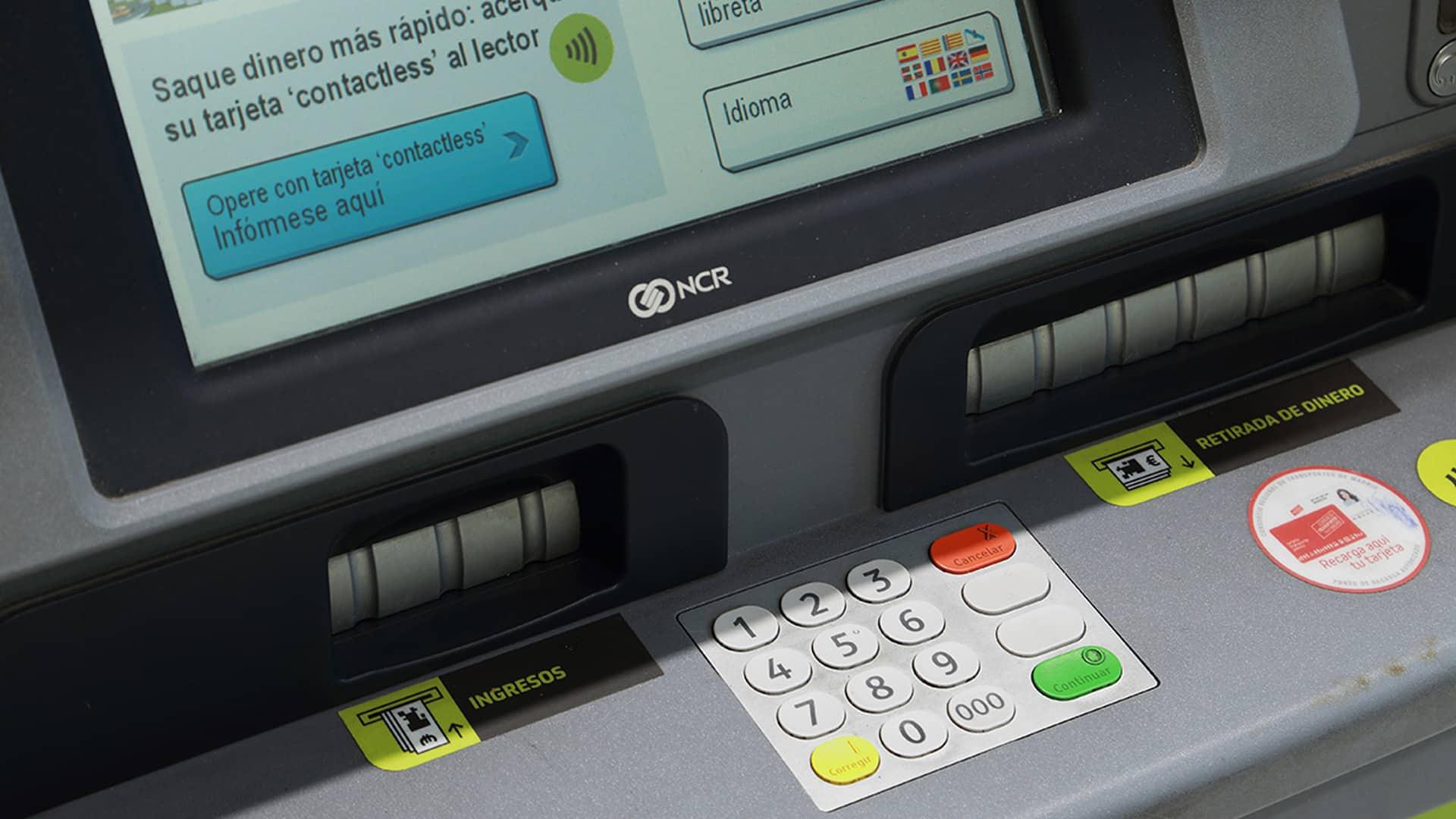 Sacar dinero sin tarjeta en Bankia: cómo se hace y qué límites hay