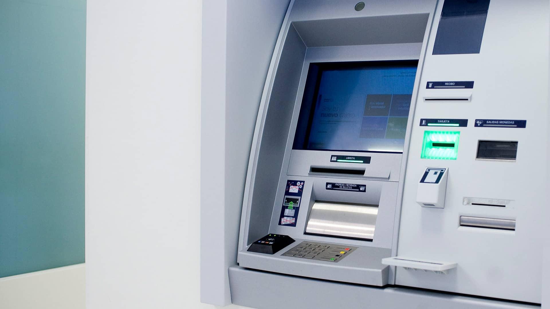 Sacar dinero sin tarjeta EVO Banco: servicio Hal Cash