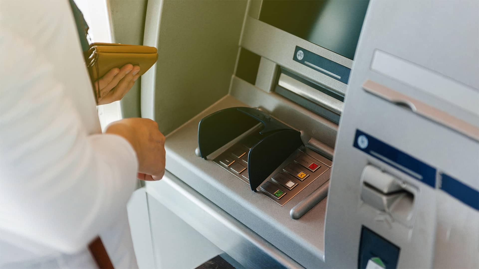 Sacar dinero sin tarjeta ING: pasos y funcionamiento de Hal Cash