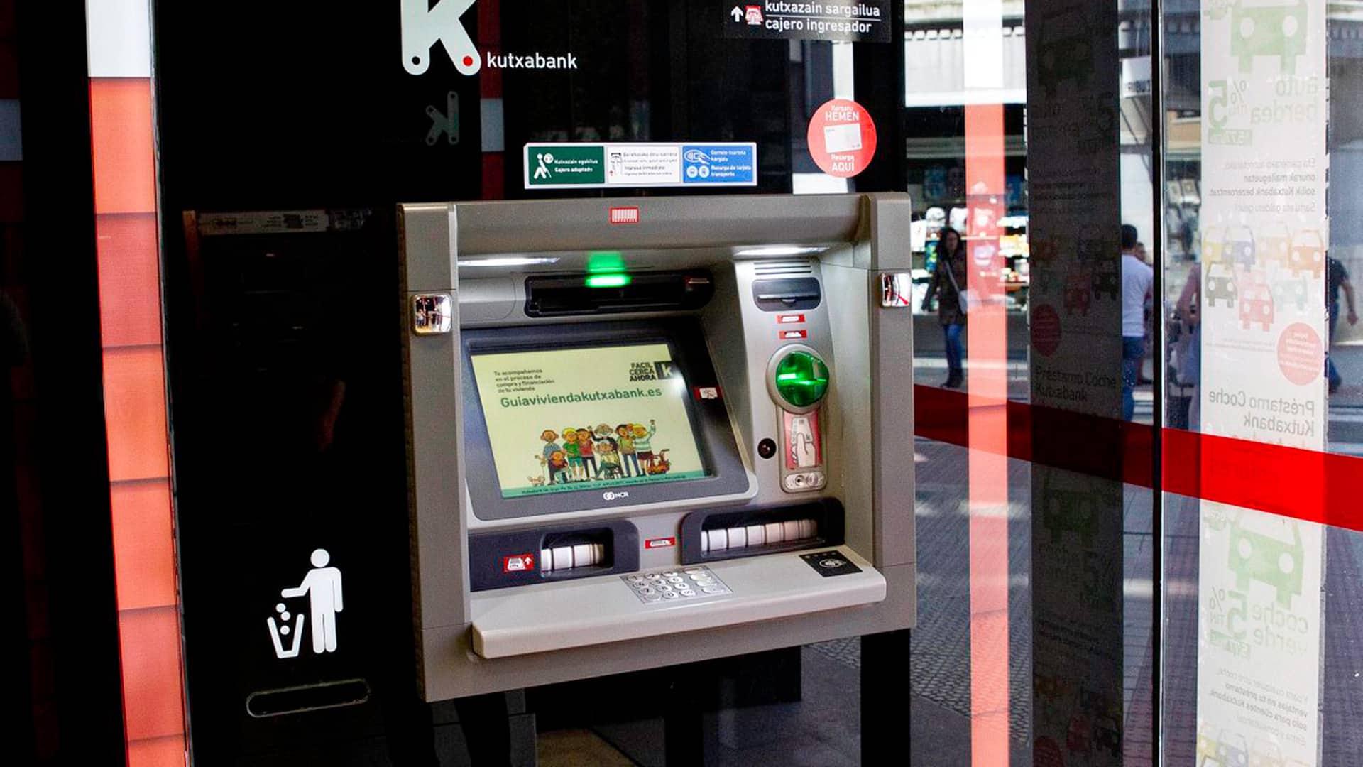 Sacar dinero sin tarjeta Kutxabank: cómo hacerlo