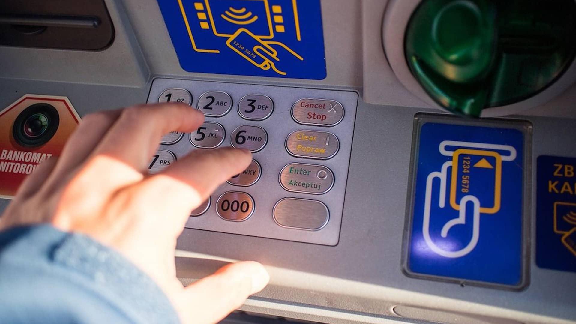 Cómo sacar dinero sin tarjeta en Liberbank con el servicio PagoAmigo