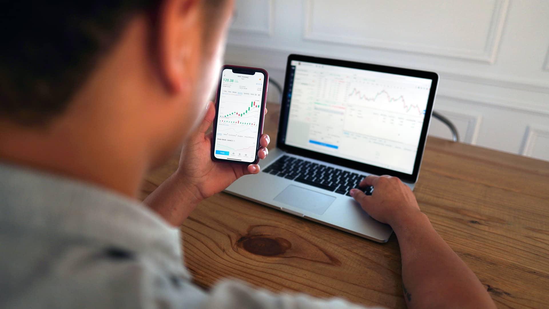Broker Mediolanum: operaciones, comisiones y servicios que ofrece