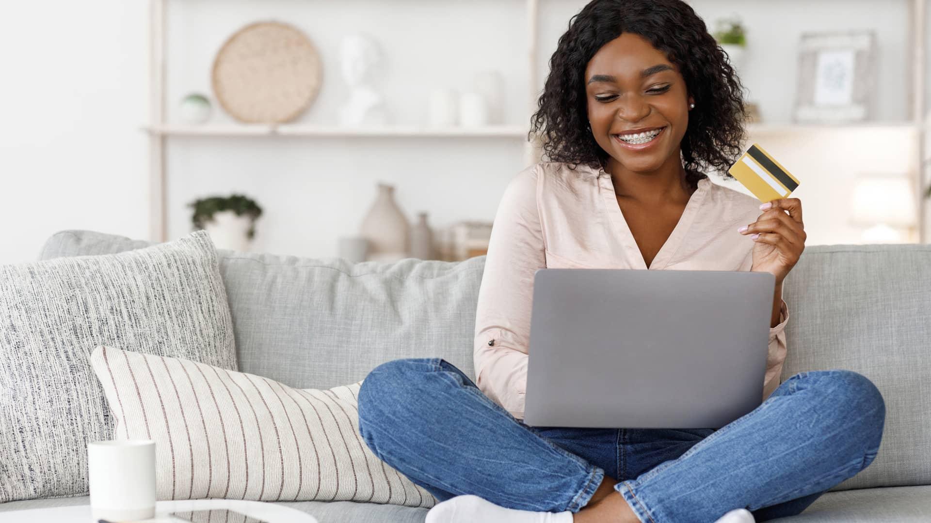 ¿Se pueden solicitar tarjetas de crédito con ASNEF?