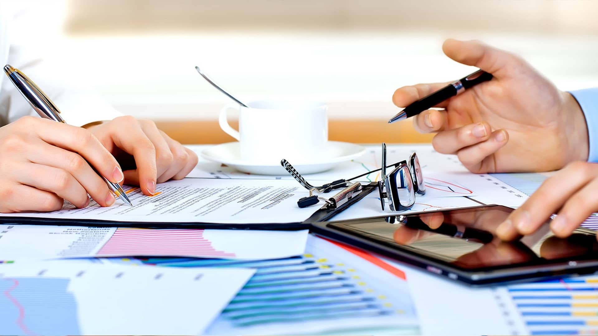 Unicaja confirming y factoring: cómo adelantar facturas pendientes